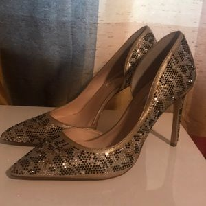 Brand money I.N.C heels size 81/2